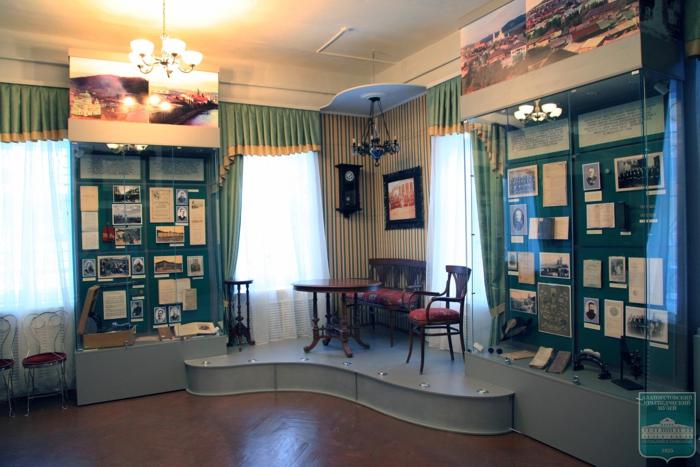 Осмотр экспозиции музея без экскурсионного обслуживания