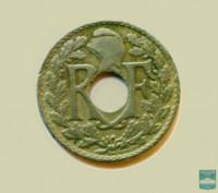 Монета 10 сантимов