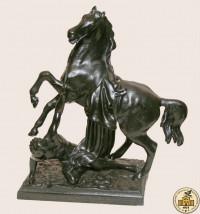 Скульптура «Упавший всадник»
